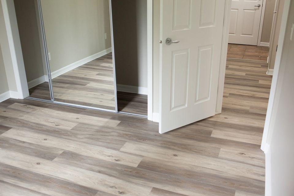 luxury-vinyl-flooring-installation